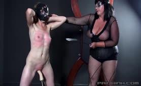 Domina Hilda beats Fanny