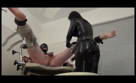 Latex Mistress fisting ass