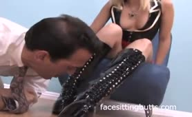 Texas Mistress Facesitting