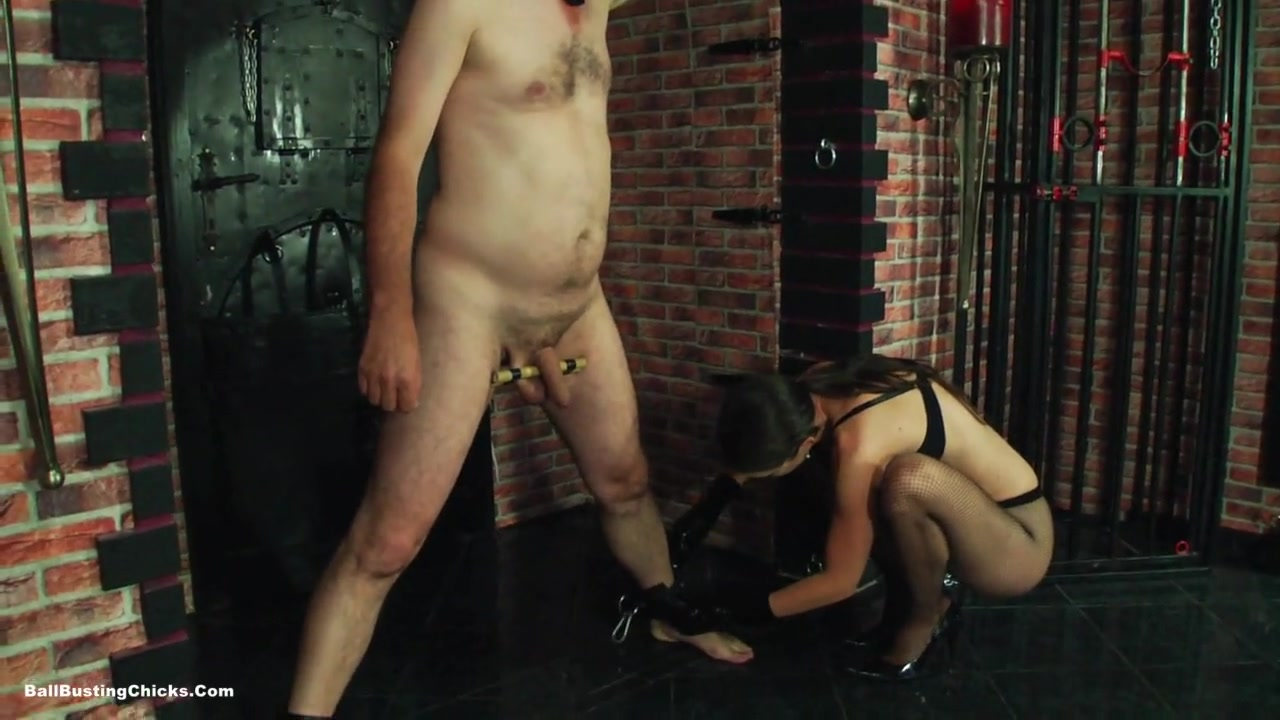 Angela Diabolo - Beat His Balls - CBT
