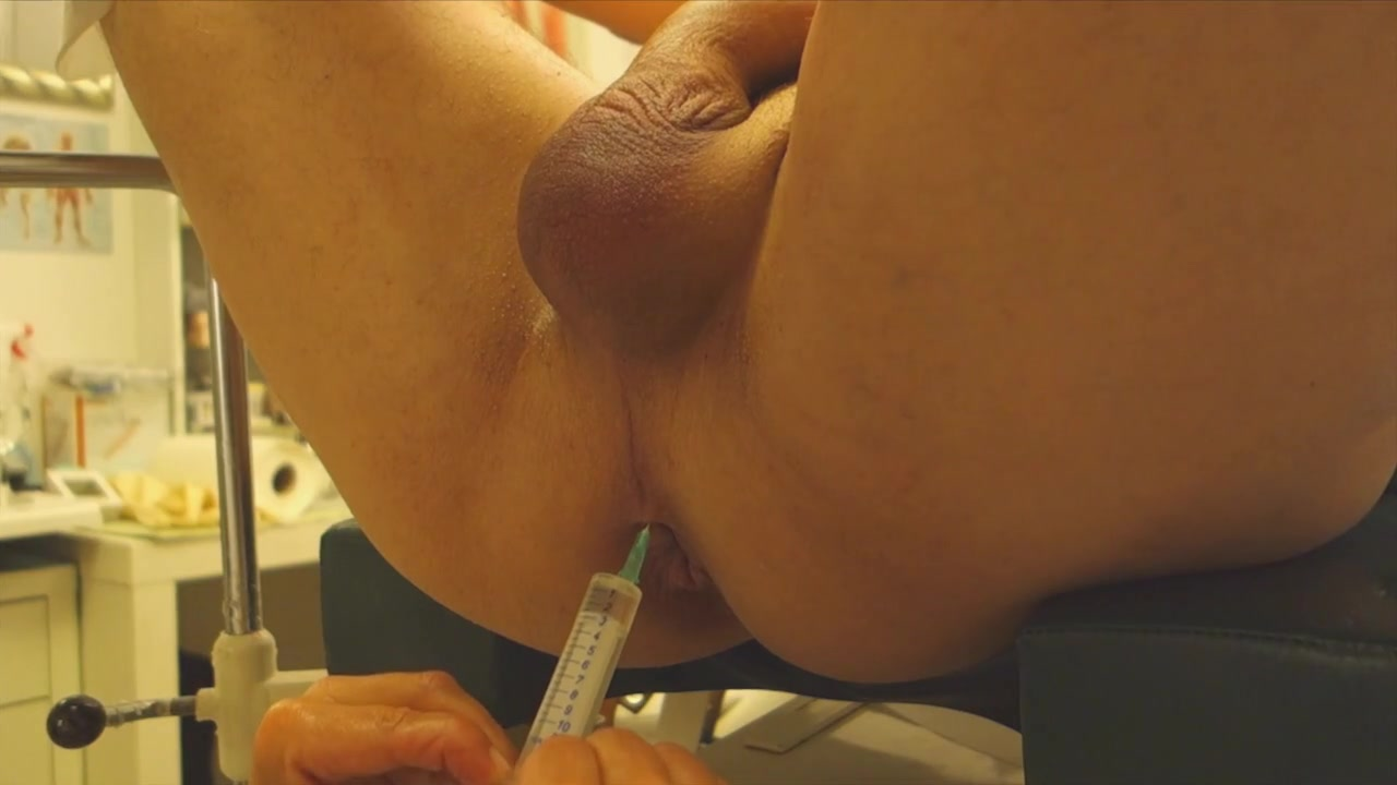 Anal injection with Fisting