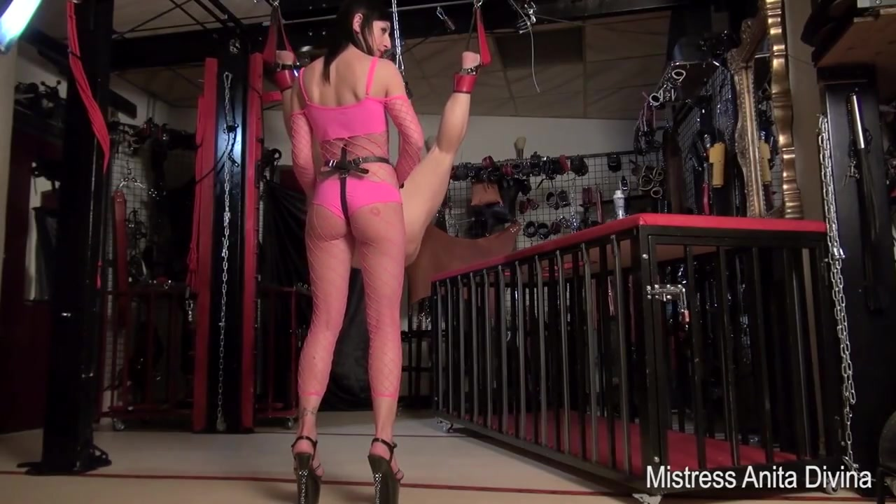Pegging for the camera stud