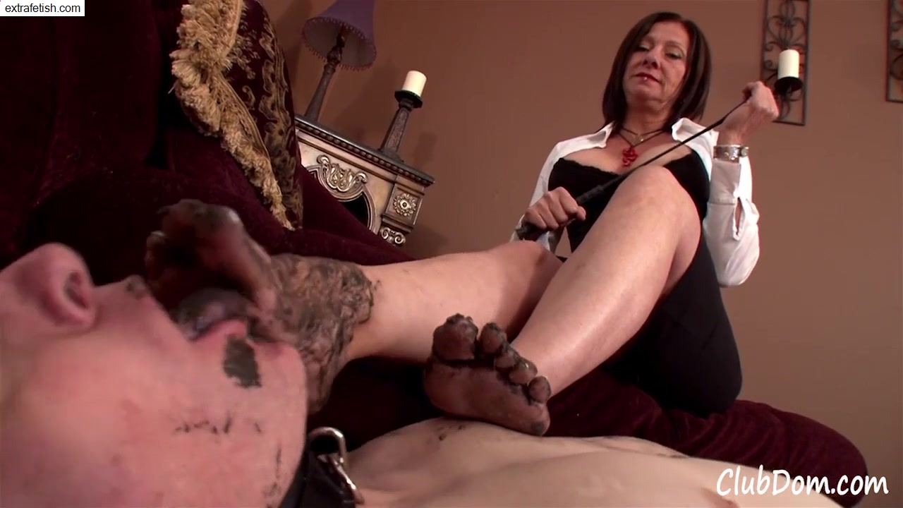 Slave Male Cleaning sleazy Feet