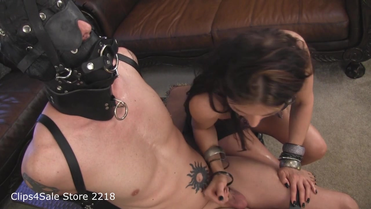 Melanie - Slaveboy in Use