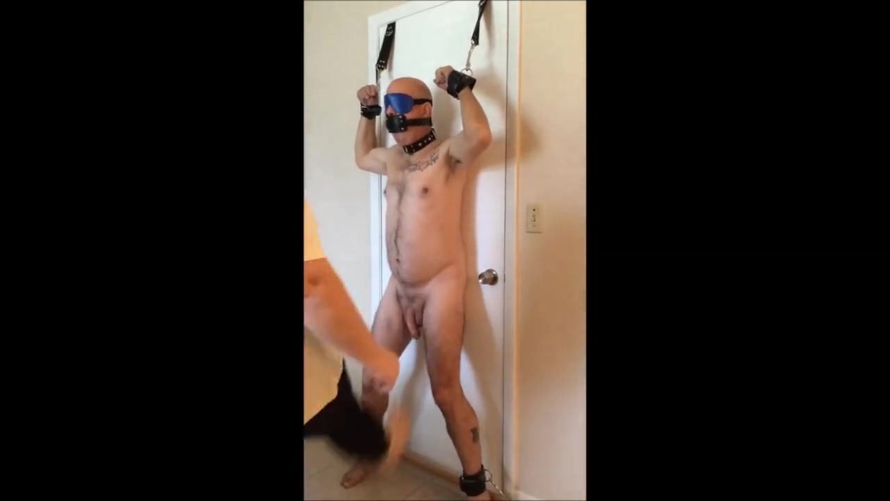 Goddess Ballbusting Her Slave Male