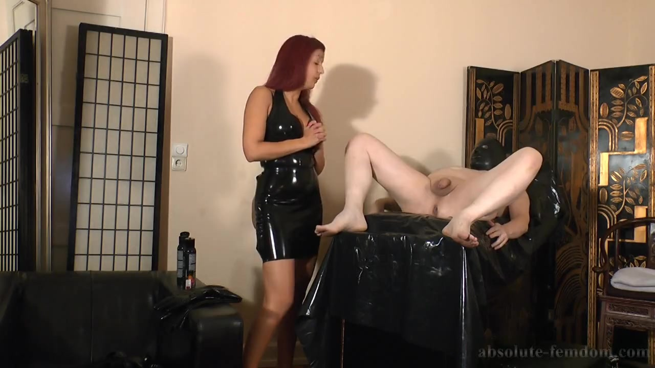 Fisting Handjob from Domme