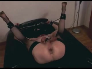 Pegging and Fisting the sissy